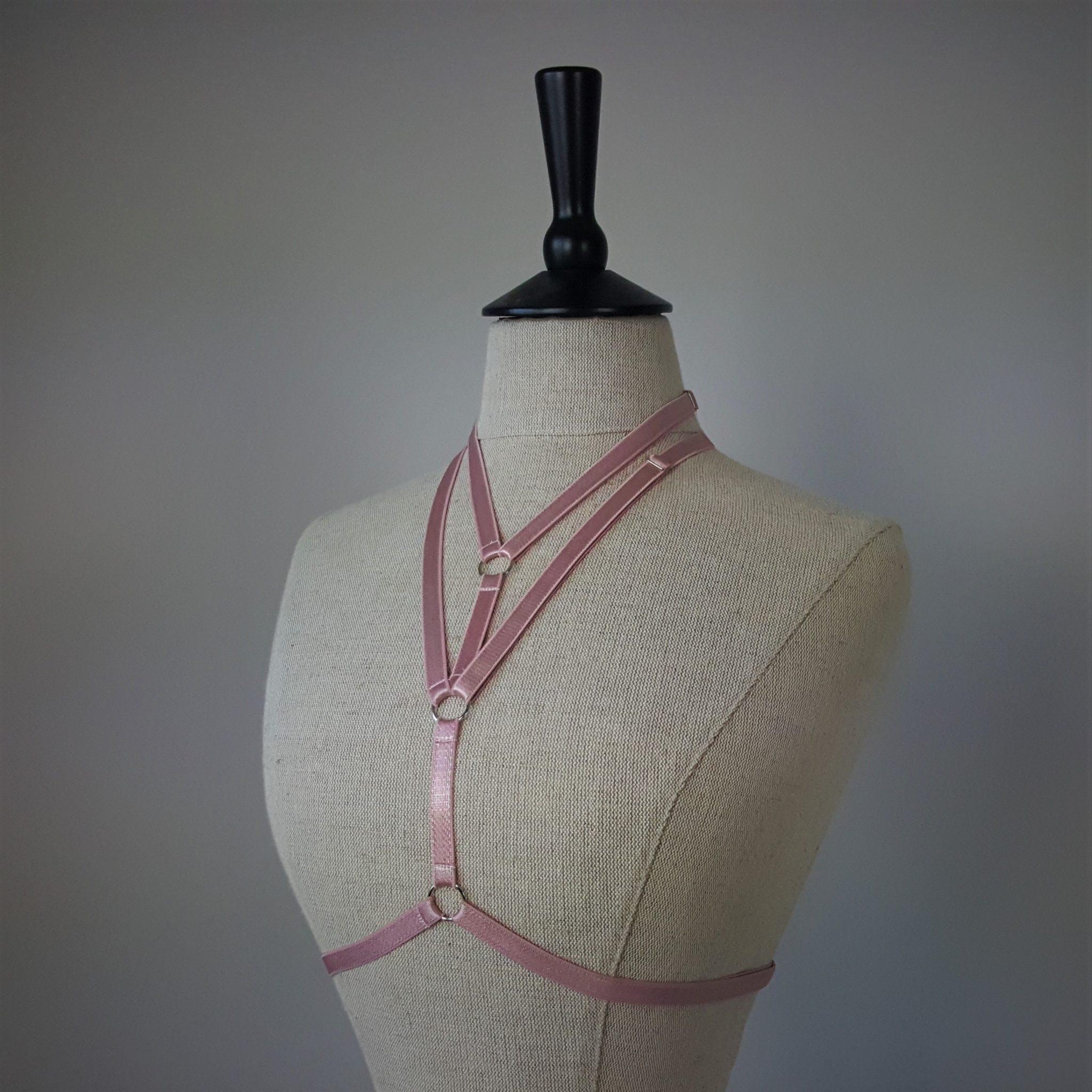 Dusky pink regate harness