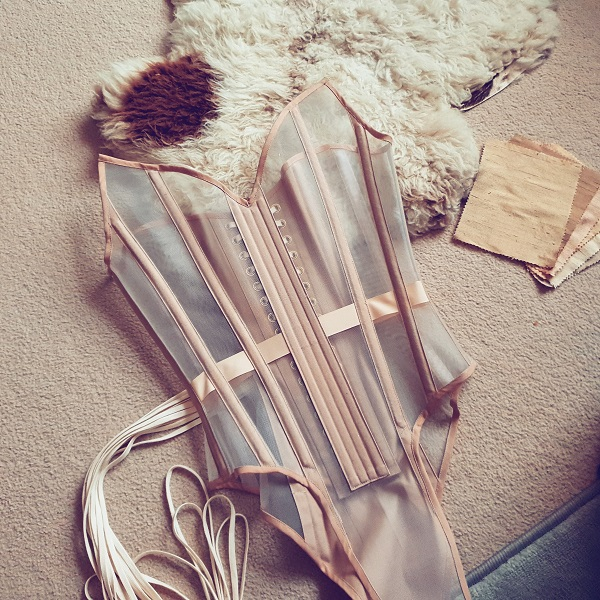 corset body in sheer mesh