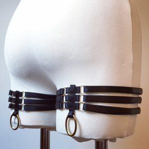 Branwen garters in black